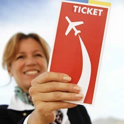 US travel agency air ticket sales still down 3