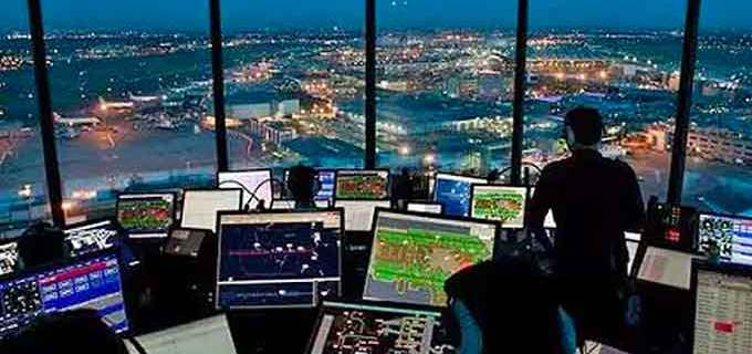 FAA: Experienced air traffic controllers wanted 5