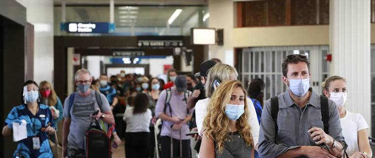 484,071 visitors arrived by air to Hawaii in April 2021 11