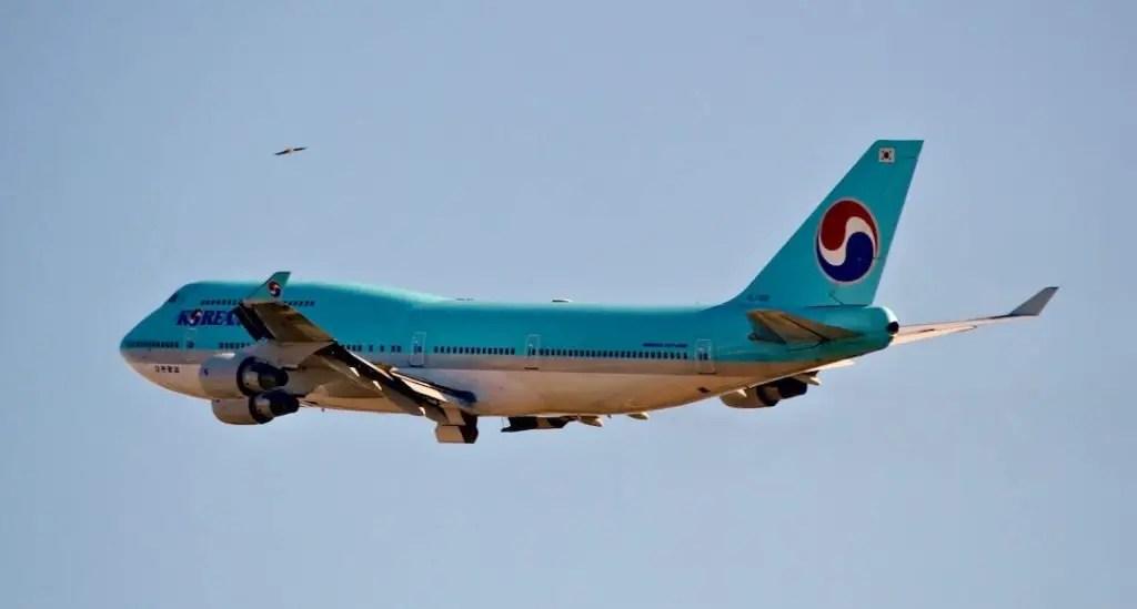Korean Air Boeing 747 on take off.