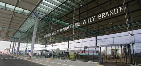 IMGP0030-0031 Brandenburg airport