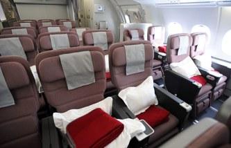374684-qantas-039-a380-touches-down