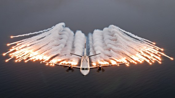 aircraft_anti_missile_flares