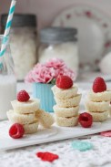 Valentines-Macaroon-bites-food-photography-styling