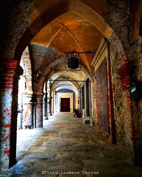 carrus portici
