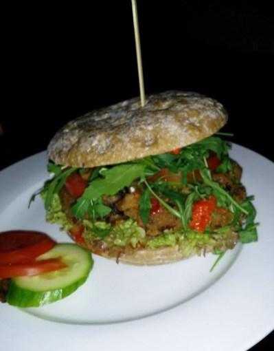 veganer Burger, Outback, Detmold