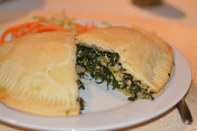 Vegan polish pirogis à la Veganista – dough pockets filled with spinach, onions and smoked tofu