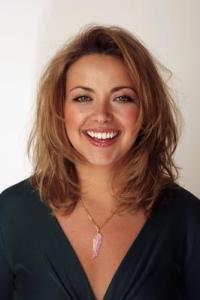 Charlotte Church training 5 comedians to sing opera