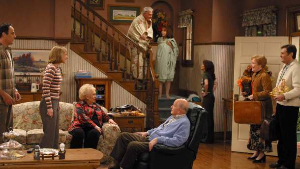 Everybody Loves Raymond: who's up for a reunion. many of the cast have since passed away.