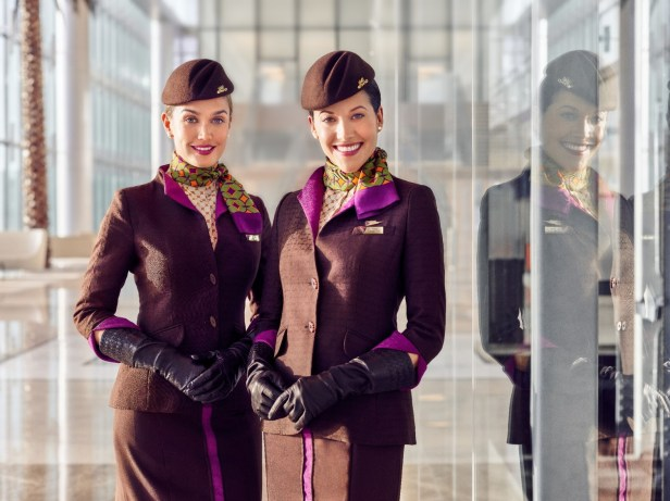 Etihad Airways Tripulante Cabina Pasajeros TCP uniforme crew