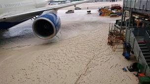 British-Airways_hangar_fallo_4
