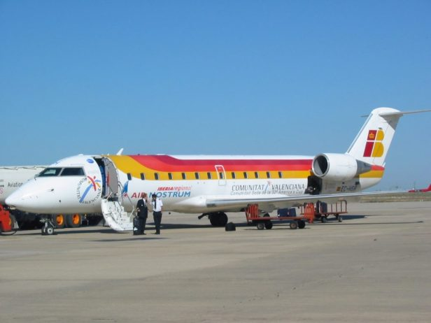 Avión Bombardier CRJ 200ER de Air Nostrum en Valladolid
