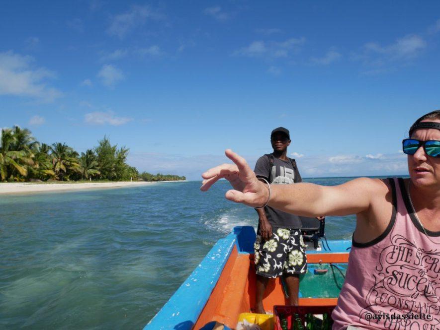 sambatra beach lodge madagascar vacances ile aux nattes equipe