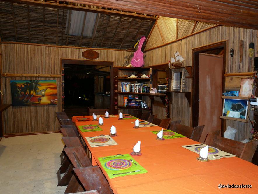 sambatra beach lodge voyage ile aux nattes madagascar restaurant 2