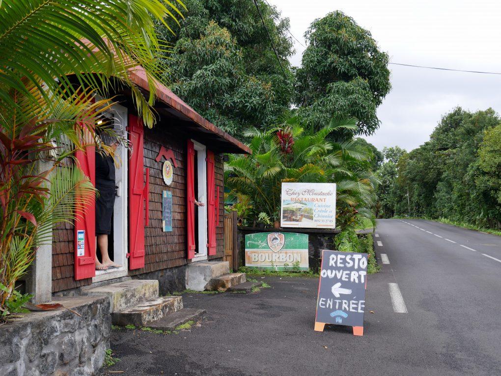 bonne adresse restaurant traditionnel creole chez moustache saint philippe la reunion 974 2