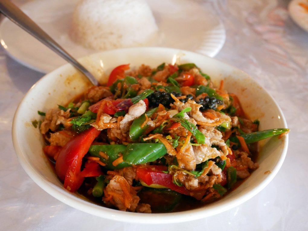laan duangjan bonne adresse restaurant thai saint paul 974 poulet gingembre