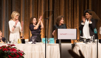 Kathy Hochul receives standing ovation