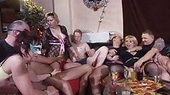فیلم سکسی کامل آلمانی سکس در کلاب به صورت گروهی