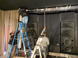 Seymour-Screen installing