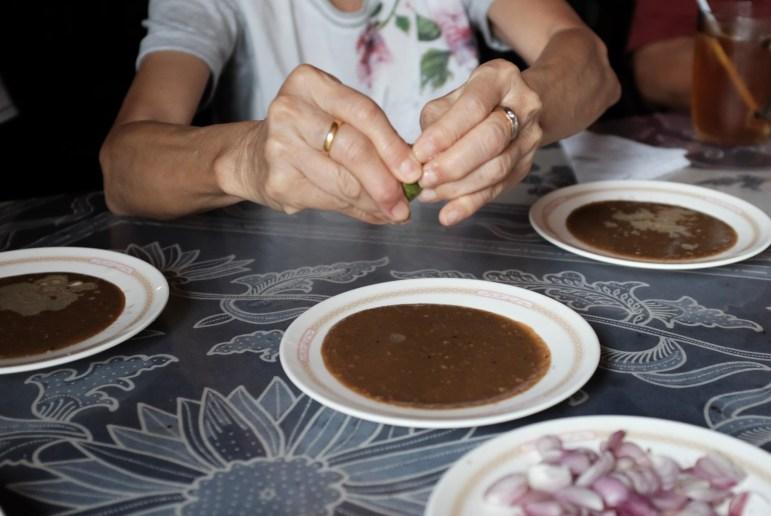 preparing the satay sauce