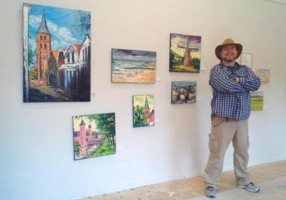 Photo of 2014 Domburg, Rod looking proud with his week's work displayed.