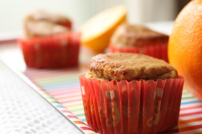 Muffins moelleux à l'orange , datte et farine de châtaigne