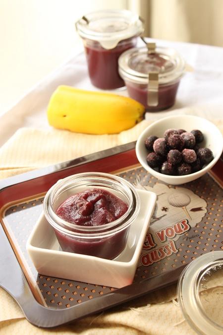 Compote de pomme, banane et myrtille