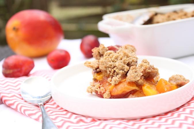 Crumble aux prunes et à la mangue mangue