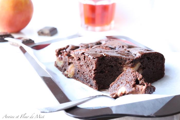 Gâteau moelleux au chocolat et pomme (sans lactose, sans matière grasse)
