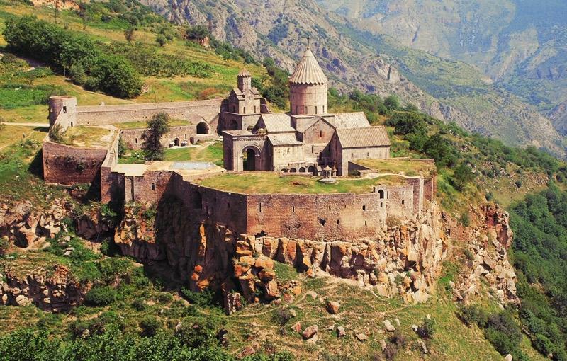 Rondreis ARMENIË - 14 dagen; Khatchkars, kloosters en sneeuwtoppen
