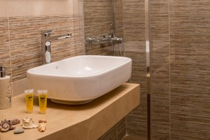 Avra Apartments, Kalyves, Crete - Ostria bathroom