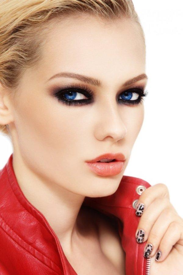 50 Идей, как сделать макияж смоки айс для голубых глаз (фото)