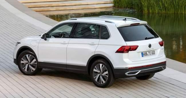 В продажу поступил Volkswagen Tiguan eHybrid 3