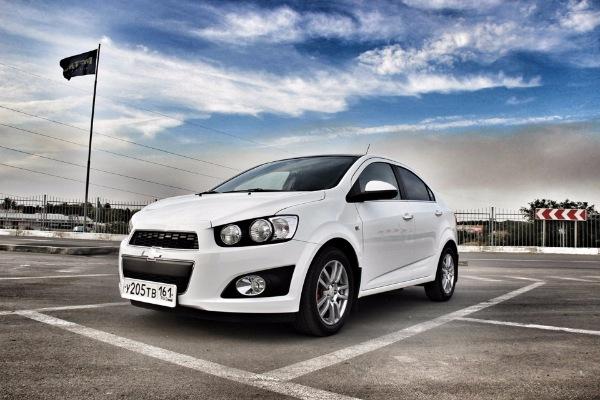 ТОП-10 б/у автомобилей до 500 000 рублей
