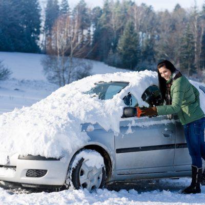 Дальняя поездка на автомобиле зимой.