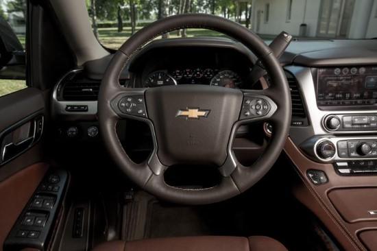 Рулевое колесо Chevrolet Tahoe.