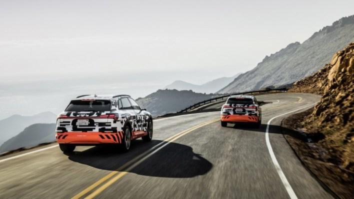 Фото электрокроссовера Audi e-tron.