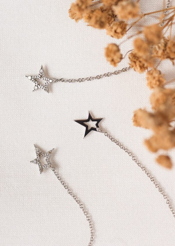 Celestial Shooting Star White Gold Stud with 5 White Diamonds (6cm Chain) 2
