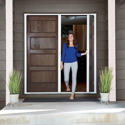 luminaire retractable insect screen door