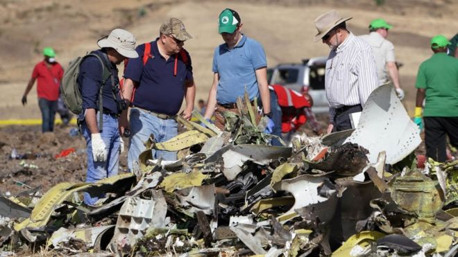 Ethiopian Airlines Boeing 737 pilots 'could not stop nosedive'