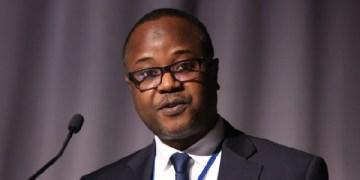 Dr Maxwell Opoku-Afari