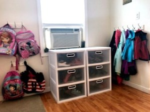 Organized Entryway, Organized Backpacks, Organized Shoes, Organized Jackets, Organize, Organization, Hooks, Organized Mudroom, Start the School Year Off Right