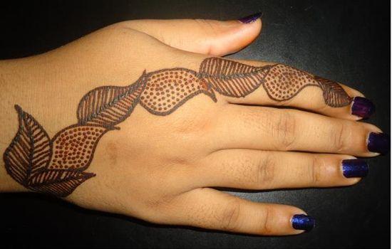 latest-mehndi-design for hands