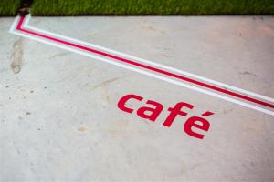 cafe (Medium)