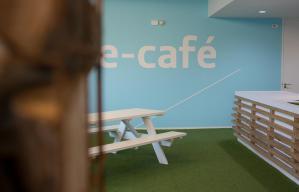 cafe2 (Medium)