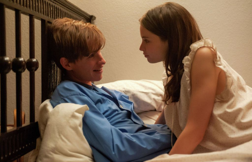 Eddie Redmayne and Felicity Jones go for gold in Focus Features' The Theory of Everything