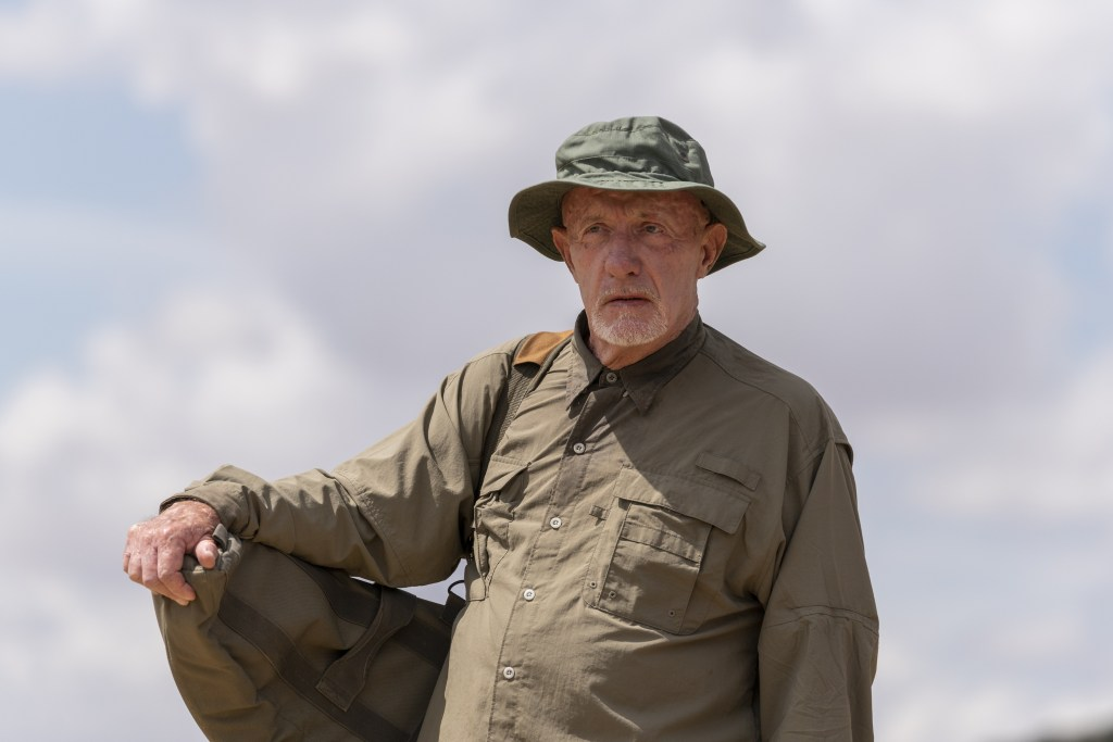 Jonathan Banks as Mike Ehrmantraut - Better Call Saul _ Season 5, Episode 8 - Photo Credit: Greg Lewis/AMC/Sony Pictures Television