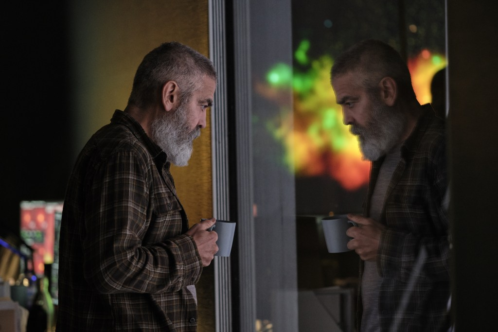 THE MIDNIGHT SKY (2020) George Clooney as Augustine. Cr. Philippe Antonello/NETFLIX ©2020