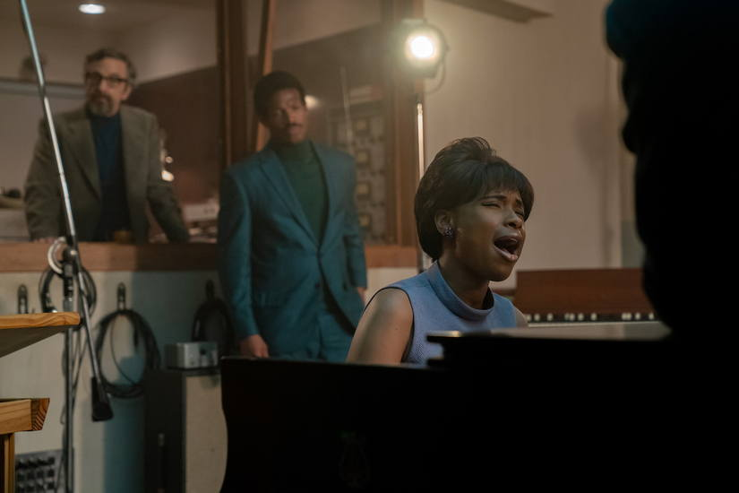 R_18350_RC (l-r.) Marc Maron stars as Jerry Wexler, Marlon Wayans as Ted White and  Jennifer Hudson as Aretha Franklin in RESPECT,  A Metro Goldwyn Mayer Pictures film Photo credit: Quantrell D. Colbert © 2021 Metro-Goldwyn-Mayer Pictures Inc. All Rights Reserved