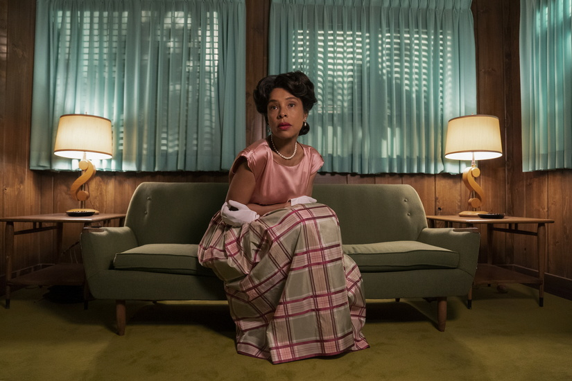 RATCHED (L to R) SOPHIE OKONEDO as CHARLOTTE WELLS in episode 105 of RATCHED Cr. SAEED ADYANI/NETFLIX © 2020